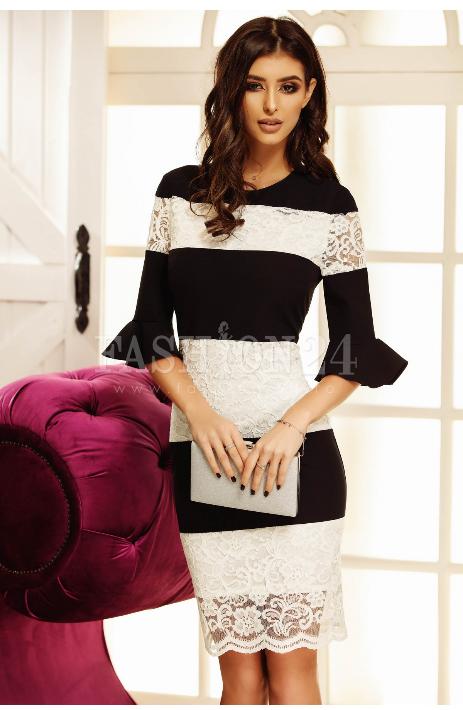 Rochie eleganta de seara, in nuante de alb si negru, din dantela, cu manecile trei sferturi in clopot, decolteul rotund