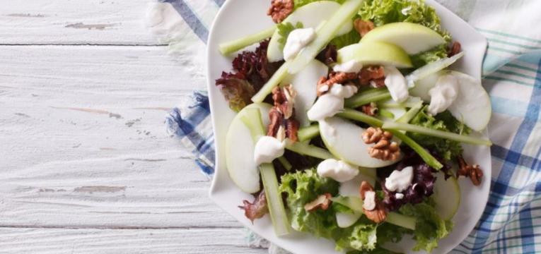 Salada Waldorf com Aipo