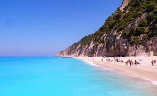Στην Ελλάδα η παραλία με τα πιο γαλάζια νερά στον κόσμο - Εικόνες
