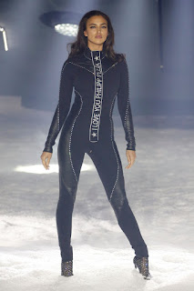 Irina Shayk Walked the Runway With a Robot at the Philipp Plein Show, New York Fashion Week