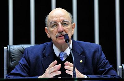 Maconheiros em pânico - Osmar Terra (PMDB), ministro do Desenvolvimento Social e Agrário é ferrenho opositor da liberação do uso de drogas