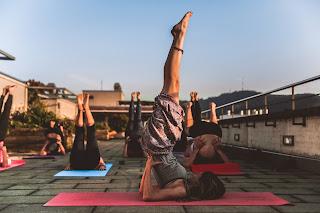 https://www.yogadeyy.com/2020/02/how-to-do-sarvangasana