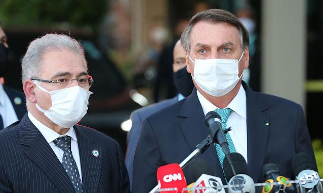 Governo formaliza contrato com Fiocruz para produzido no Brasil vacina de Oxford