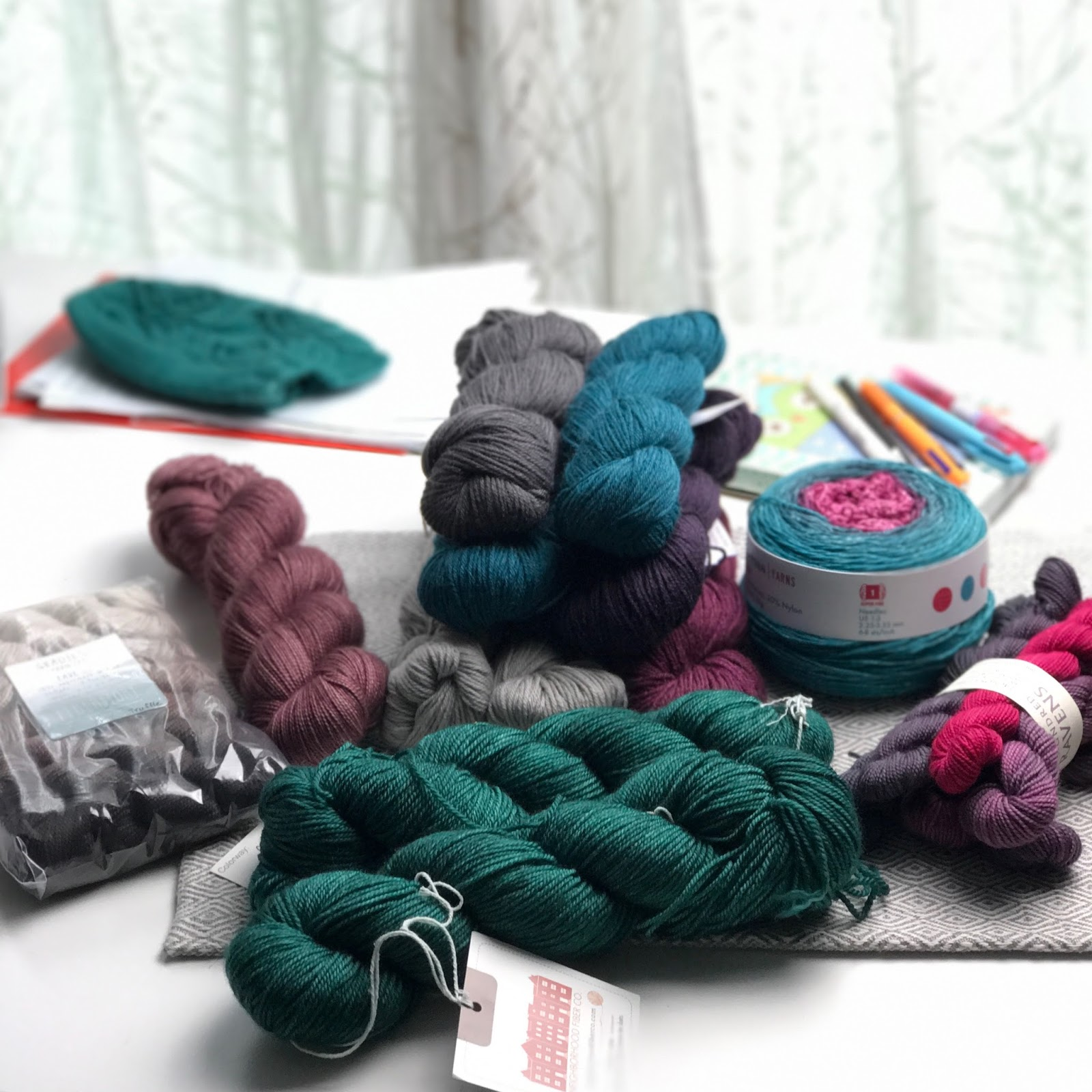 Knitting like crazy 072017 if you want to see how the ebook comes together hop on over to my patreon and become a patron you get a 50 off coupon code when you join and become fandeluxe Gallery