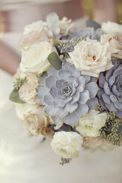 Ivory garden roses bouquets and blue-grey Succulents