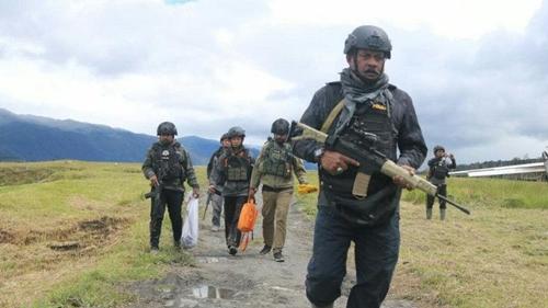 TNI-Polri Tiga Jam Kontak Tembak dengan KKB di Bandara Ilaga Papua