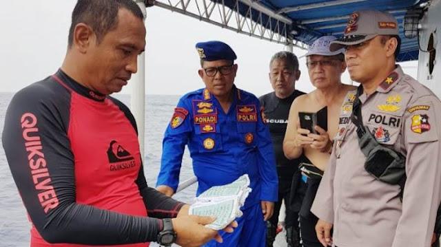 Tim Penyelam Temukan Buku Yasin dalam Kondisi Utuh Milik Penumpang Lion Air JT 610