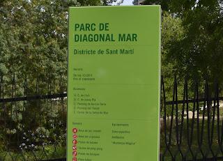 Parque de Diagonal Mar...Barcelona, Catalunya, España...