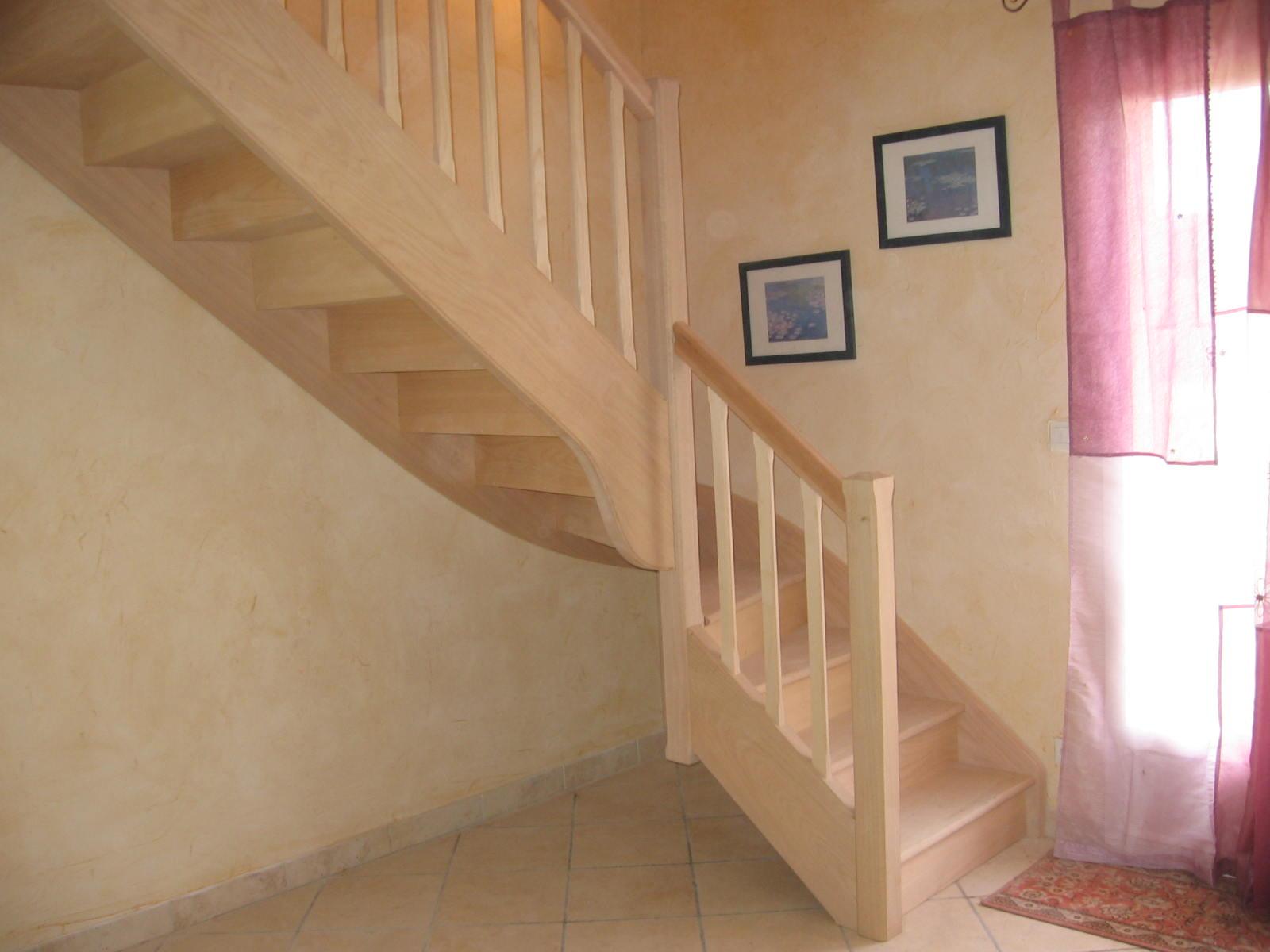 escaliersbois64800 escalier 1 4 tournant classique avec. Black Bedroom Furniture Sets. Home Design Ideas