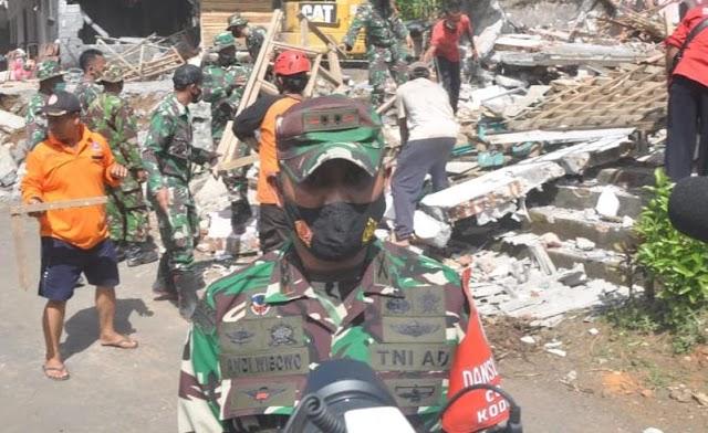 Pasca Gempa, TNI di Lumajang Kerahkan Personel Bantu Masyarakat Terdampak
