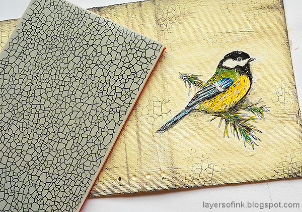 Layers of ink - Chickadee Wrapped Journal Tutorial by Anna-Karin Evaldsson. Tim Holtz Craze stamp.