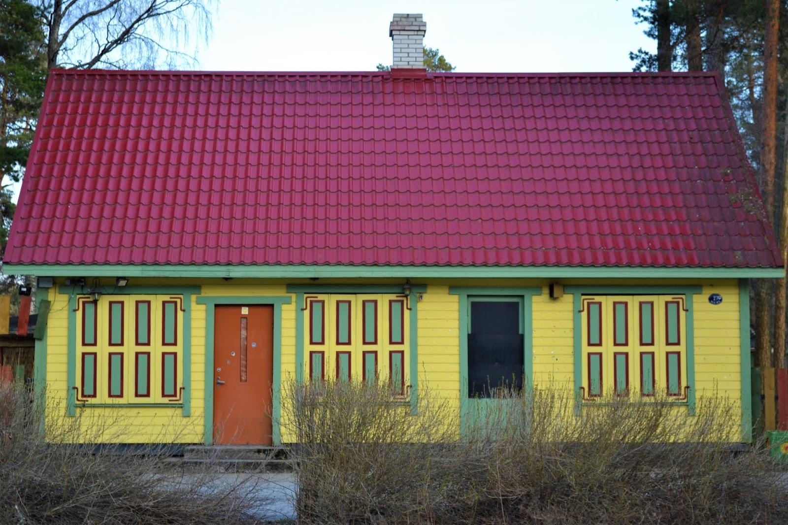 Casa colorata a Vosu