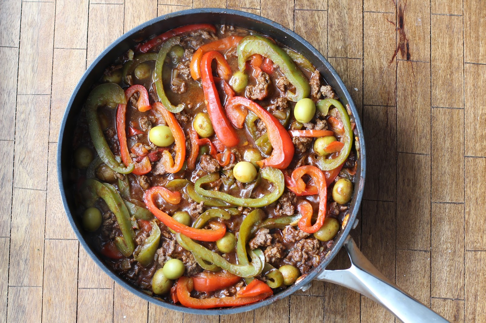 Fatgirl Hedonist: My Mom\'s Cuban Picadillo Recipe