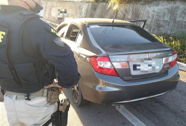 Casal é preso com carro roubado na BR 406 no RN