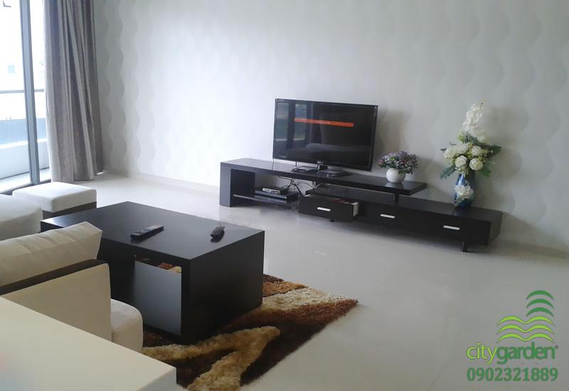 tivi lcd tại phòng khách căn hộ city garden 2 phòng ngủ