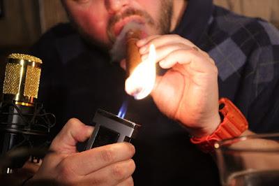 cara membakar cerutu