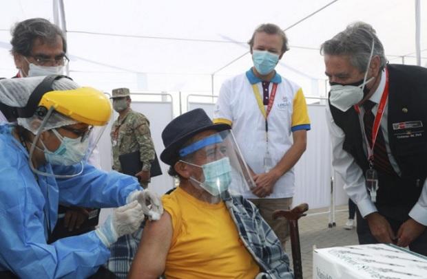 Presidente Sagasti supervisa inicio de nuevo Plan de Vacunación contra el covid-19