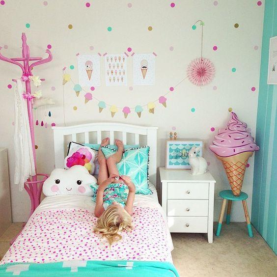 15 ideas para decorar con empapelados m s chicos - Muestrario de colores para pintar paredes ...