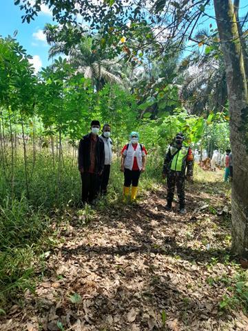 Di TPU Al Hidayah Huta Baganding, Personel Jajaran Kodim 0207/Simalungun Dampingi Pemakaman