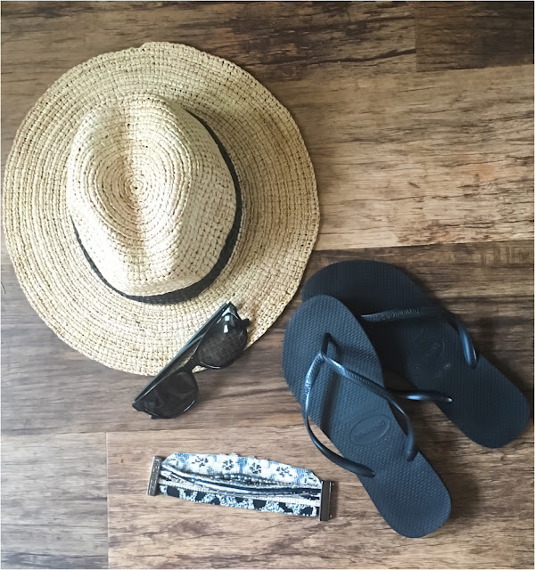 My Midlife Fashion, coco Bay, Havaianas slim flip flops, sea folly Layarya fedora hat, haviana tahiti bracelet