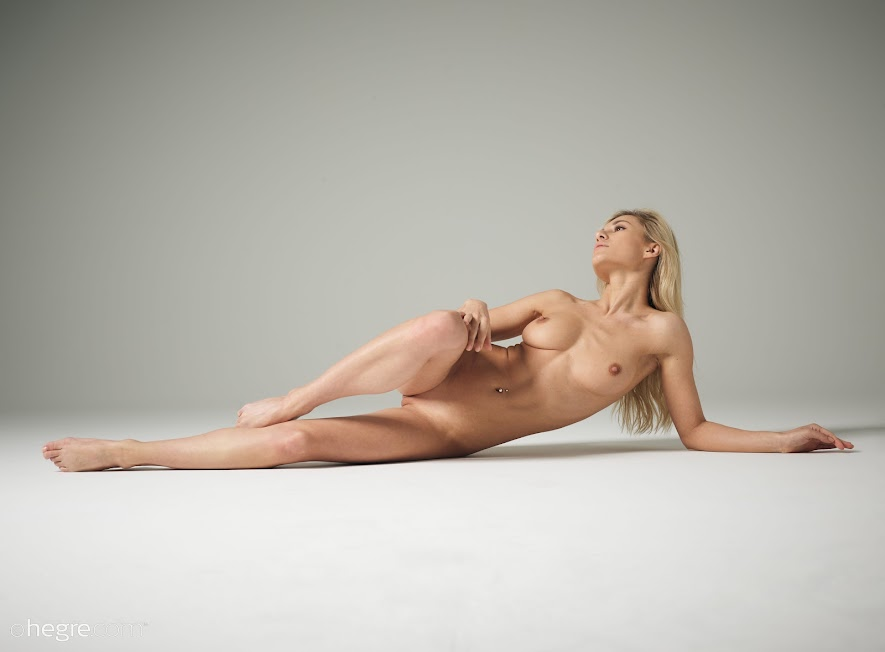 [Hegre-Art] Darina L - Figure Photography