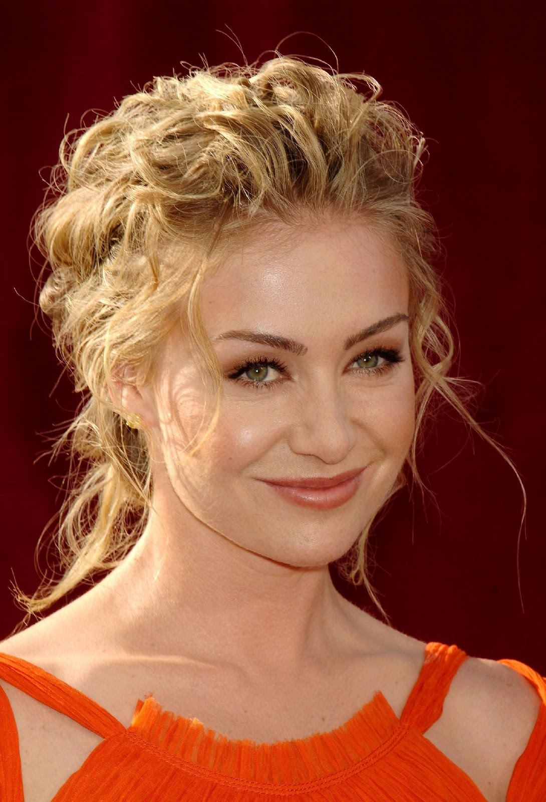 Portia De Rossi Hairstyle Pictures Angled Bob Hairstyle