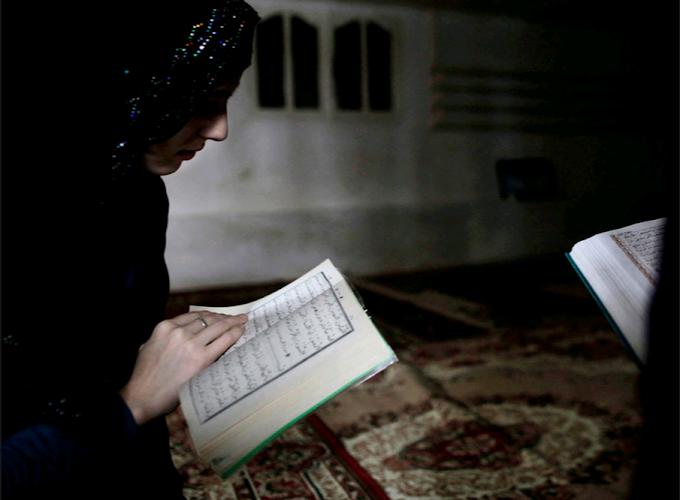 Baca Al Qur'an Setelah Maghrib Dan Subuh Dapat Cerdaskan Otak! Benarkah?
