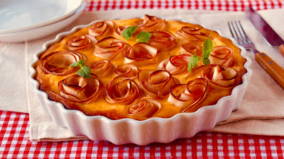 Apple roses healthy banana cake easy recipe for babies and toddlers i recommend this for babies from 10 months parents can eat the apple roses they are difficult for children at certain ages to eat forumfinder Images