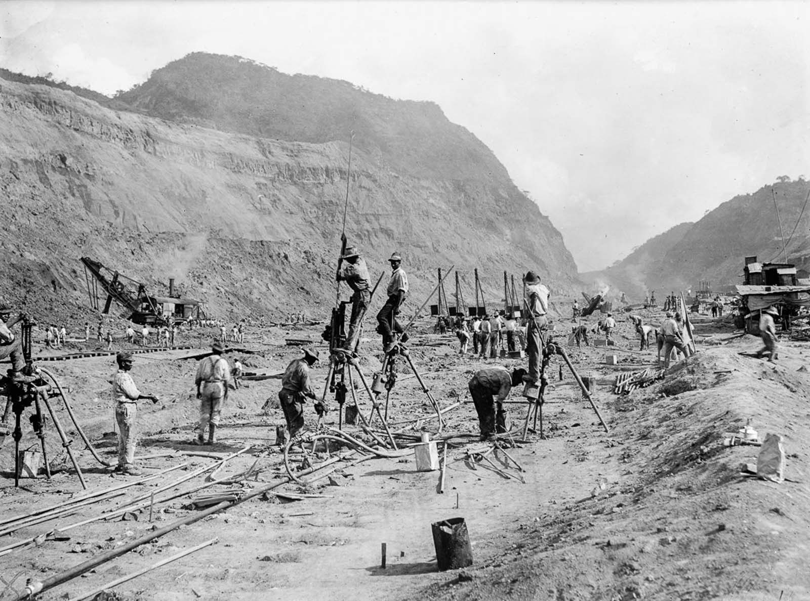 One of the greatest barriers to a canal was the continental divide, which originally rose to 110 metres (360.9 ft) above sea level at its highest point. The effort to cut through this barrier of rock was one of the greatest challenges faced by the project.