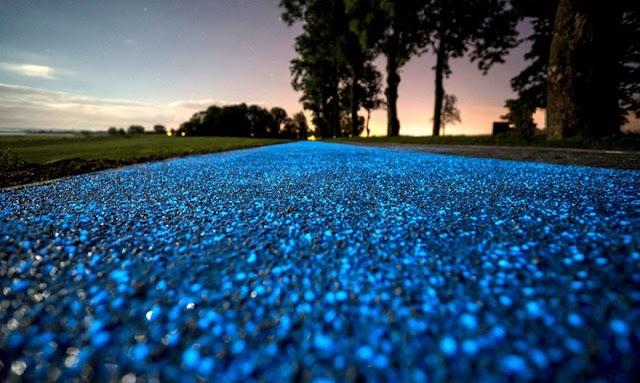 【有趣發明】波蘭小鎮的醉人設計 泛起藍光的路