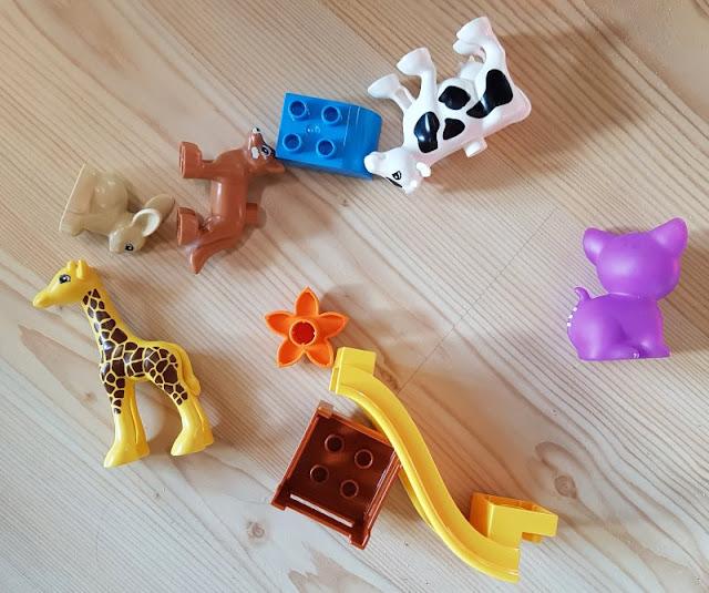 Bornholm mit Kindern im Herbst. Teil 2: Ankommen auf der Sonneninsel des Nordens. Das Kinderspielzeug lag bald im ganzen Haus.