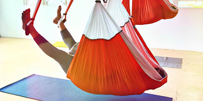 articulos, filososofia, madrid yoga, MADRID yoga STUDIO, yoga anti edad, yoga anti estres, yoga creativo, pranayama, meditación, aeroyoga, yoga aéreo, formación yoga aéreo