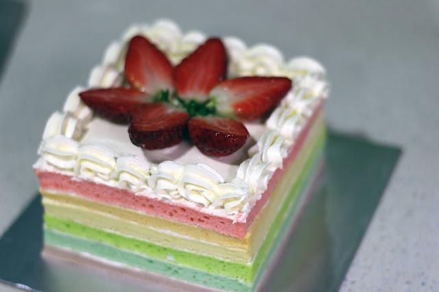 rainbow cake kukus untuk ulang tahun
