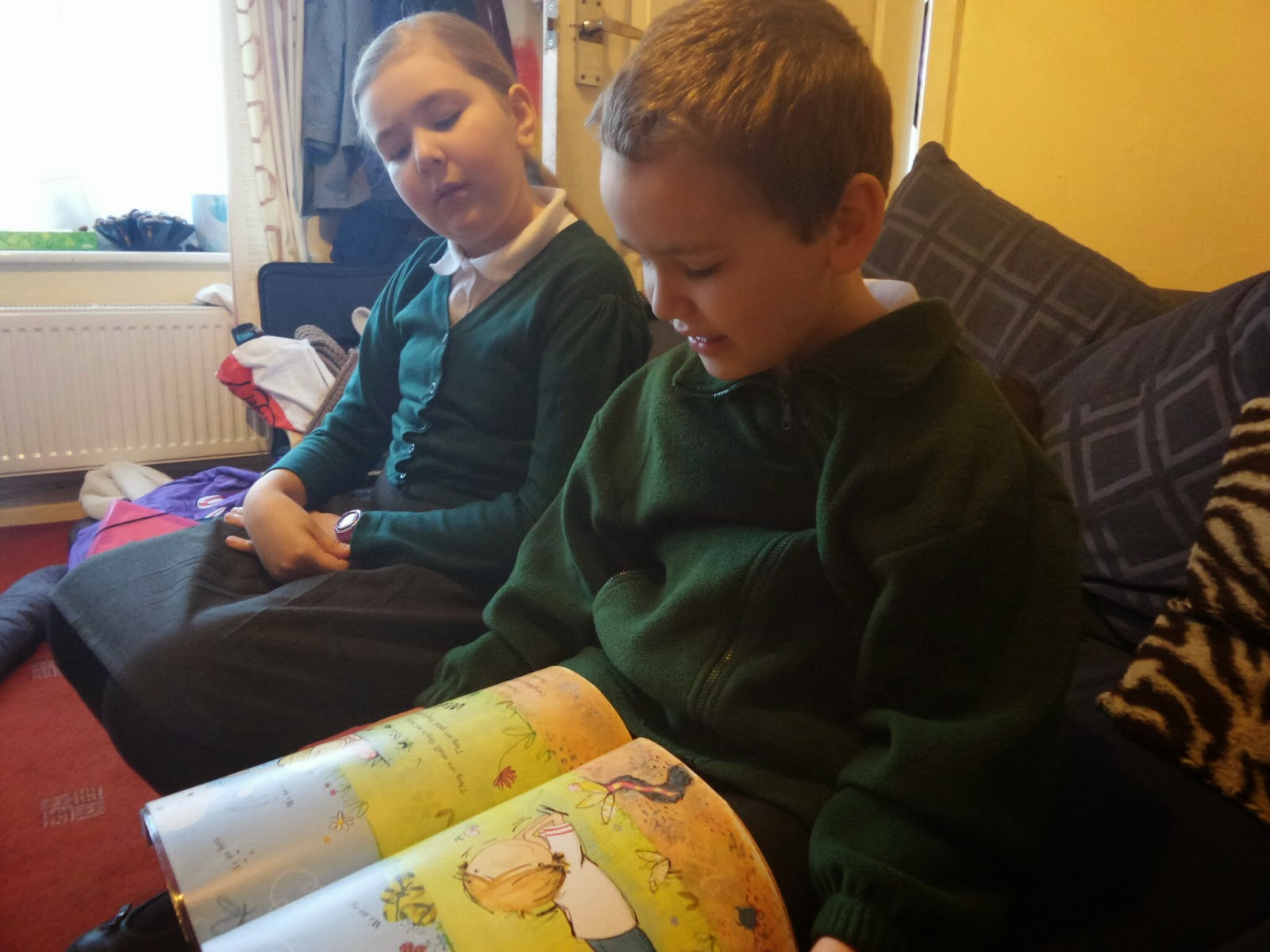Big Boy reading to Top Ender