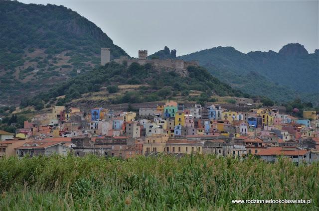Sardynia z dziećmi- Bosa i malownicza trasa z Alghero do Bosy