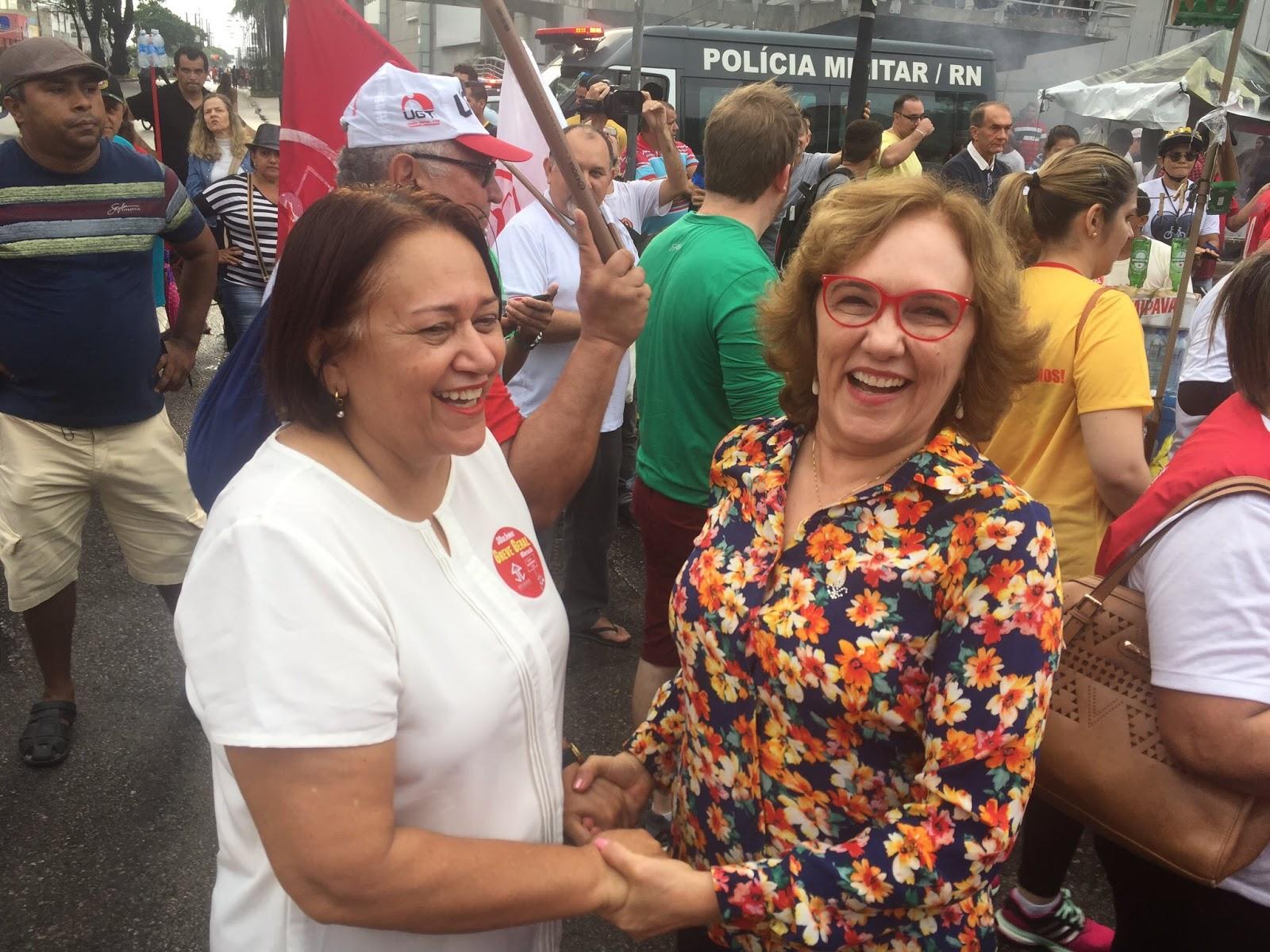 Resultado de imagem para fotos de zenaide maia na convenç ao de fatima bezerra