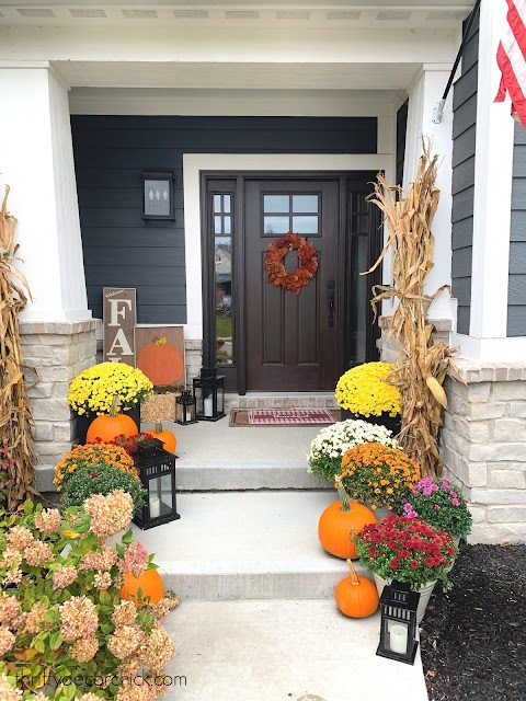 decorating front porch for fall