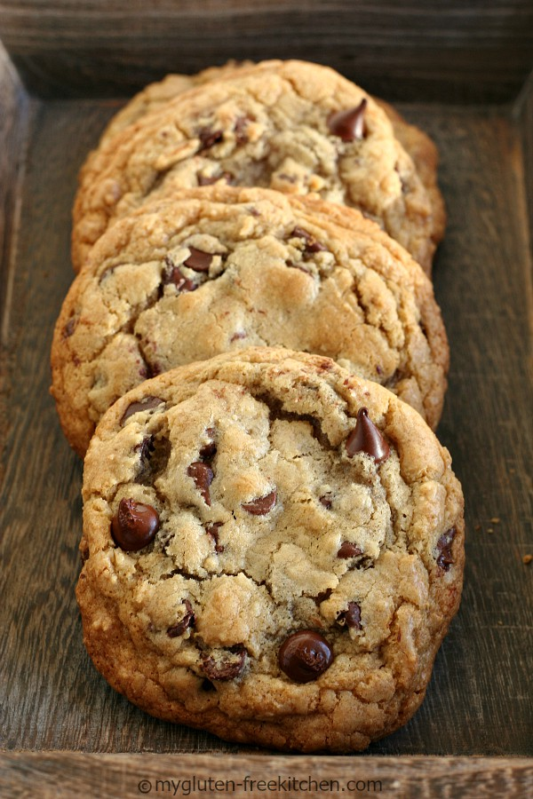 THE BEST CHEWY GLUTEN-FREE CHOCOLATE CHIP COOKIES #desserts #cookies #chocolate #chip #pie