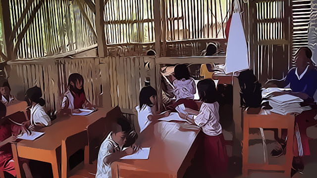 "Terkait kebijakan sekolah seharian penuh ""Full Day School"" yang kini diubah menjadi Lima Hari Sekolah, Kepala Dinas Pendidikan Kalimantan Barat, Alexius Akim, menilai Kalimantan Barat belum siap menerapkannya."