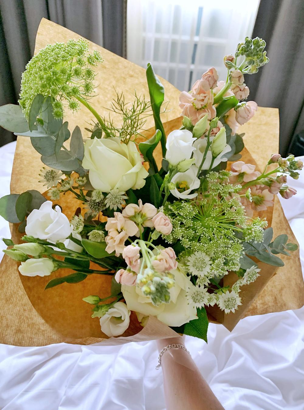 Pulteney Bridge Flowers in Bath - Emma Louise Layla, UK luxury travel & lifestyle blog