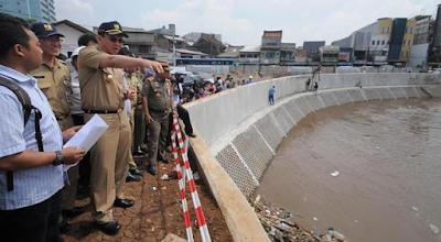 Ahok Curiga Ada yang Sengaja Bikin Jakarta Banjir