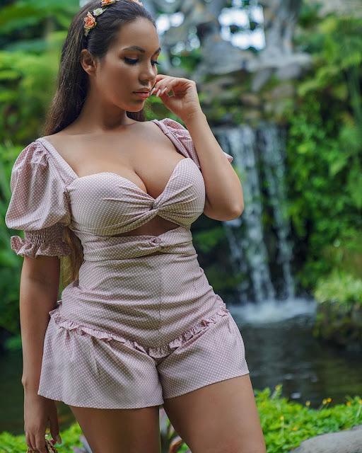 Aylen Alvarez Hot & Sexy pics