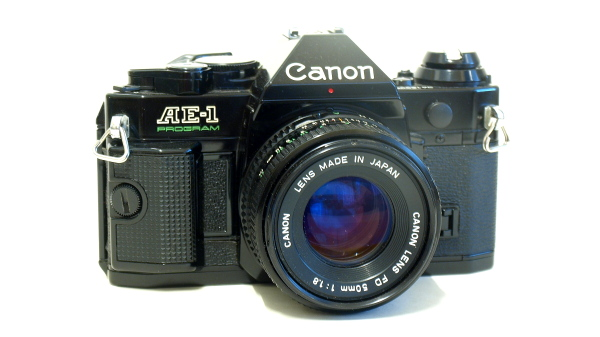 Canon AE-1 Program, Front