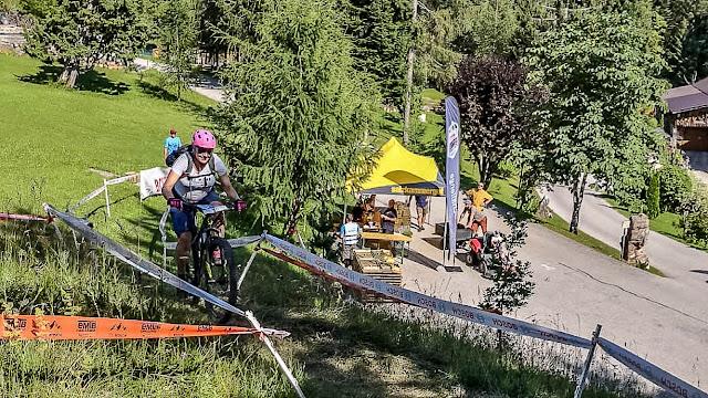 mountainbike damenklasse sport in der schwangerschaft wettkampf