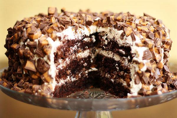 Paula Deen Caramel Cake