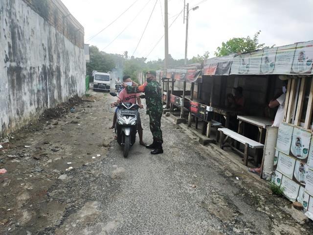 Berikan Himbauan Kepada Masyarakat, Personel Jajaran Kodim 0207/Simalungun Laksanakan Gakplin Protokol Kesehatan PPKM Mikro