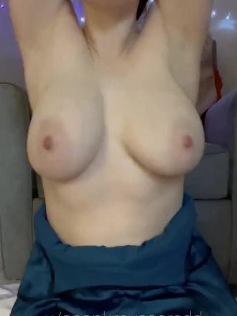 topless girl shaking big natural tits