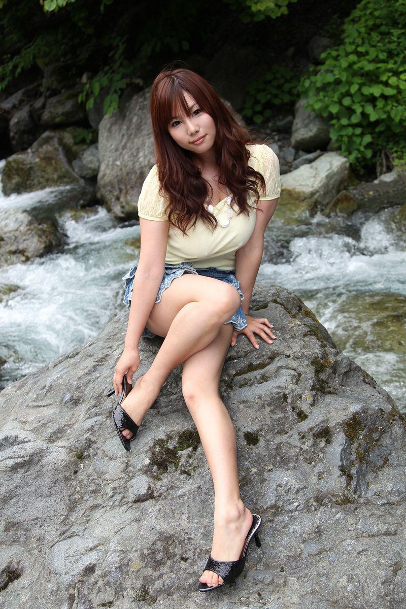 foto bugil artis bokep toket gede dari jepang,kanon ozora.model seksi bergaya pamer keindahan tubuh dan payudara besarnya