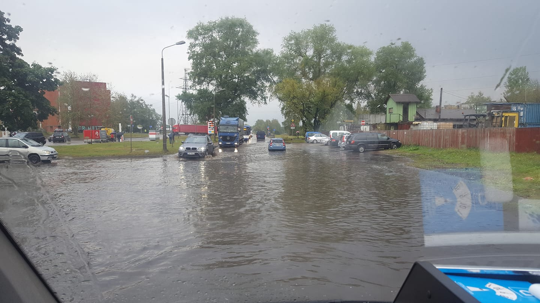 Lietus appludina Gaigalas ielu