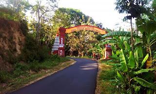 Gapura Selamat Datang di Desa Rahtawu